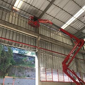 Manutenção de Calhas de Alumínio para Telhados